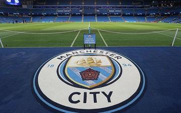 Báo Anh phản ánh hai mặt đối lập ở thành Manchester: MU hào phóng trả lương bất chấp nghỉ dịch, Man City lại tính quỵt tiền