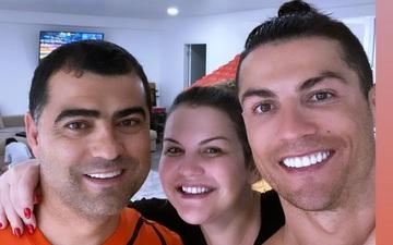 """Dinh thự 7 tầng siêu sang trọng không có phòng gym lớn, Ronaldo liền nghĩ ra """"kế hay"""" giúp gia đình khỏe mạnh trong mùa Covid-19"""