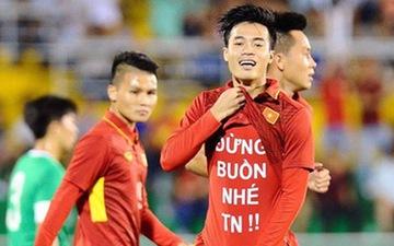 Văn Toàn và những kỷ niệm nhớ đời: Bị nhắc nhở vì dỗ bạn gái khi đang đá cho U23 Việt Nam đến đẩy trọng tài suýt phải trả giá