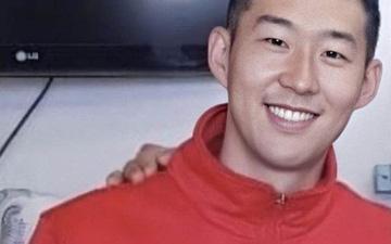 Son Heung-min xuất hiện với diện mạo mới sau 7 ngày tập quân sự: Còn đâu mái tóc người thương?