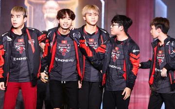 Tròn một năm ngày không thể quên của fan LMHT Việt Nam: SKT T1 lần đầu tổ chức fan meeting và chiến thắng mãn nhãn của PVB trước G2 Esports