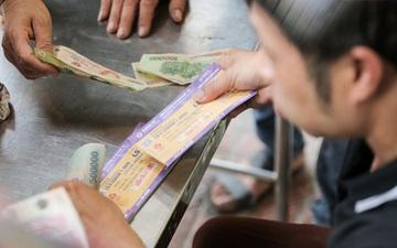 Mở bán vé xem Quang Hải so tài Văn Toàn vào giờ đi làm, dân phe lại đông hơn CĐV