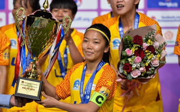 Huỳnh Như ghi dấu giày trong 2 bàn thắng trước Than KSVN, TP.HCM lần đầu đăng quang Cúp quốc gia nữ 2020