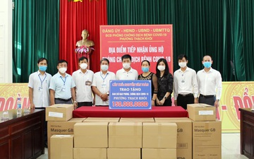Bán áo đấu được 300 triệu, Văn Toàn và gia đình ủng hộ toàn bộ số tiền cho quê nhà Hải Dương chống dịch Covid-19
