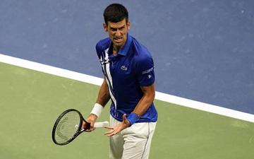 Djokovic bắt đầu hành trình chinh phục Grand Slam thứ 18:  Thắng dễ nhưng vẫn còn vết gợn