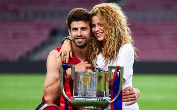 """Trung vệ Pique và chuyện tình đẹp như mơ với """"nữ hoàng nhạc Latin"""" hơn 10 tuổi Shakira: Bắt đầu tán bằng một câu hỏi """"ngớ ngẩn"""" nhưng bất ngờ lại thành công"""