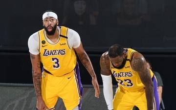 """Dính chấn thương cổ chân, sao LA Lakers bỏ ngỏ khả năng thi đấu ở game 5: Điềm báo cho kịch bản """"lật kèo"""" của Denver Nuggets?"""