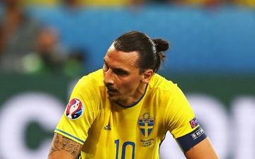 Zlatan Ibrahimovic chửi HLV Thụy Điển bất tài