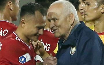 HLV nổi tiếng thế giới hạnh phúc khi gặp lại tuyển thủ Việt Nam là trò cưng một thời