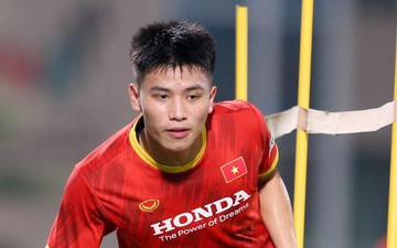 HLV Park Hang-seo lý giải việc loại trung vệ Thanh Bình sau trận thua Trung Quốc