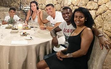 Phải đến sau trận đấu thất vọng của MU, Ronaldo mới gửi lời chia buồn đến người bạn cực thân thiết