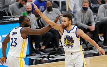 Stephen Curry toả sáng trong ngày Golden State Warriors phục thù