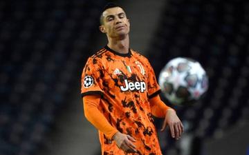 Ronaldo tịt ngòi, đồng đội mắc sai lầm, Juventus lại đứng trước nguy cơ bị loại sớm ở Champions League