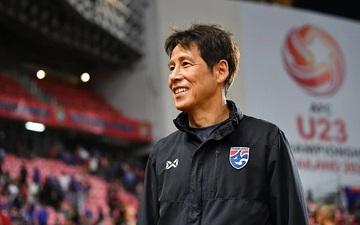 Đội tuyển Thái Lan lo lắng với tin đồn HLV trưởng sớm chấm dứt hợp đồng