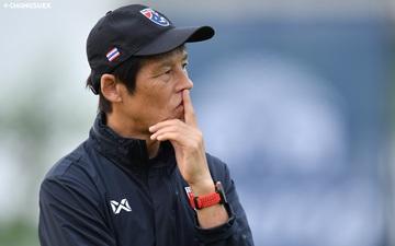 """HLV Nhật Bản khó chịu vì bị tố """"thiếu chuyên nghiệp, muốn từ chức tuyển Thái Lan"""""""