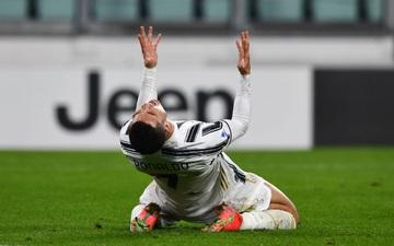 Ronaldo bỏ lỡ 2 cơ hội khó tin nhưng vẫn sắm vai người hùng giúp Juve trở lại đường đua vô địch Serie A