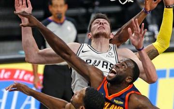 Mắc sai lầm những giây cuối, Golden State Warriors dâng tặng chiến thắng cho San Antonio Spurs