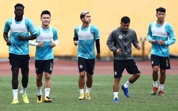 """CLB Hà Nội tập luyện chuẩn bị cho trận đấu """"không khoan nhượng"""" gặp Hải Phòng FC"""