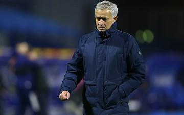 Tottenham thua ngược khó tin, HLV Jose Mourinho nổi cơn tam bành