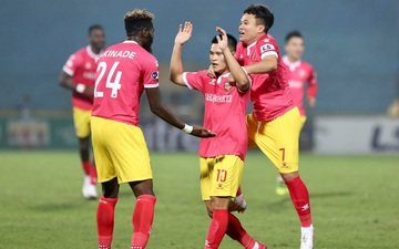 Hà Nội FC thoát thua trước CLB Hà Tĩnh nhờ bàn thắng ở phút cuối
