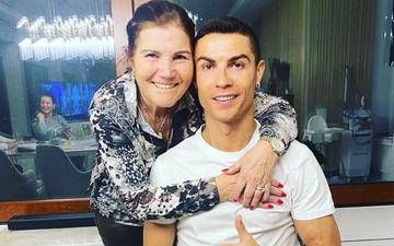 Mẹ Ronaldo xúc động kể về phút giây sinh tử, suýt phải lìa xa cậu con trai yêu quý