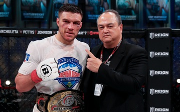 Vadim Nemkov bảo vệ thành công đai Bellator sau màn đại chiến cùng Phil Davis, tiến thêm một bước tới phần thưởng 1 triệu USD