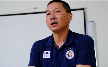 """HLV Chu Đình Nghiêm nói lời cảm động khi chia tay, Văn Quyết chia sẻ: """"Mong chú sớm quay trở lại với đội"""""""