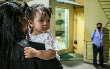 Bùi Tiến Dũng chiều con gái Sushi hết mức sau trận thắng Hà Nội FC