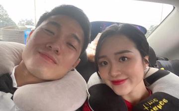 HLV Kiatisuk đăng ảnh hậu trường cực độc của Xuân Trường và Nhuệ Giang sau đám hỏi