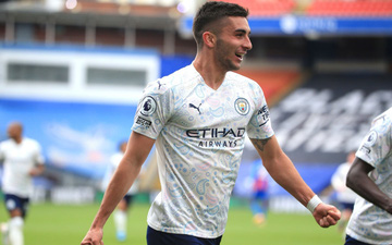 Man City thắng nhẹ nhàng Crystal Palace, chờ ngày nâng cúp NHA