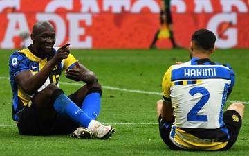 """Lukaku rực sáng và """"ngồi uống nước chè"""", khiến thầy cũ Mourinho lo ngay ngáy không được dự cúp châu Âu"""