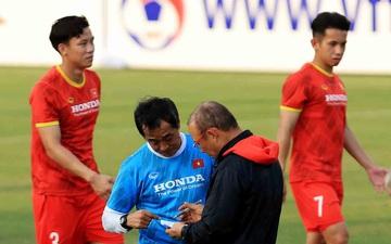 HLV Park dặn kĩ tuyển Việt Nam không vào bóng nguy hiểm gây chấn thương cho đồng đội khi tập luyện
