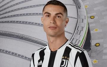 """Giữa hàng loạt tin đồn ra đi, Ronaldo vẫn xuất hiện """"chình ình"""" trong chiến dịch mùa giải mới của Juventus"""