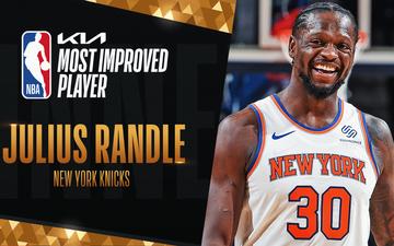 """Julius Randle chiến thắng danh hiệu """"Cầu thủ tiến bộ nhất mùa giải 2021"""" sau 7 năm chinh chiến tại NBA"""