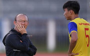 HLV Park Hang-seo vẫn chờ Văn Hậu trở lại tuyển Việt Nam ở vòng loại World Cup