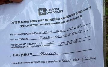 """""""Độc"""" từ nước Ý: Cận cảnh giấy xét nghiệm Covid-19 của fan đến xem khai mạc Euro 2020"""