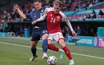 Kiên cường gượng dậy sau sự cố kinh hoàng, Đan Mạch lại thua đau Phần Lan dù được đá penalty