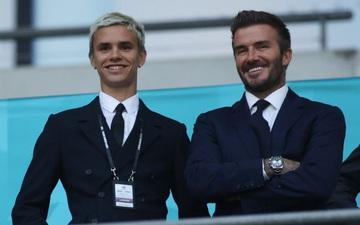 Dàn khách VIP dự khán Anh vs Scotland: Sir Alex gặp sự cố mất vui, Beckham và con trai bảnh bao trên khán đài