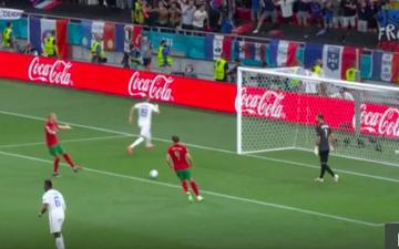Pepe tức điên vì Rui Patricio không chịu nghe chỉ dẫn hướng đá penalty của Benzema