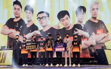 Team Flash thường trình diễn bộ mặt nào tại vòng bảng các giải đấu quốc tế?