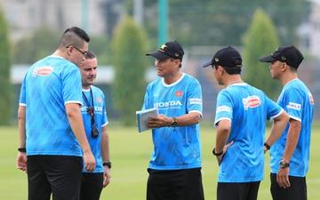 """HLV Mai Đức Chung: """"Đối thủ tại vòng loại Asian Cup rất xa lạ, Việt Nam không nên chủ quan"""""""