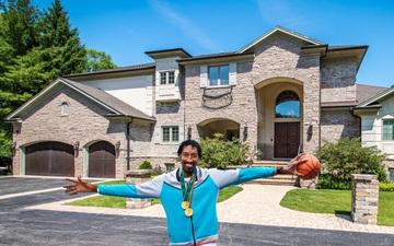 """Trải nghiệm """"Một ngày làm Scottie Pippen"""" trong căn nhà của chính chủ nhân với giá bất ngờ"""