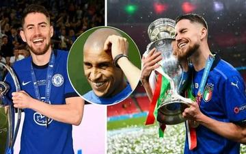 """Roberto Carlos: """"Chelsea nên dựng tượng Jorginho"""""""