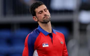 Thua hai trận liên tiếp, Djokovic tan mộng cú đúp vàng chỉ trong một buổi tối