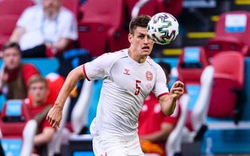 """Bóc info về hậu vệ đang đá """"bay"""" nhất Euro, người vừa tạo dấu ấn bởi siêu phẩm kiến tạo khó tin cho tuyển Đan Mạch"""