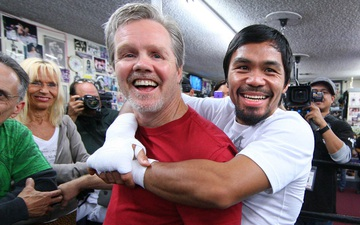 Manny Pacquiao và HLV Freddie Roach tái ngộ cho trận đấu với Errol Spence