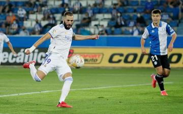 Benzema lập cú đúp, Real Madrid thắng dễ Alaves 4-1 trong ngày khai màn La Liga
