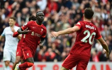 Liverpool 2–0 Burnley: The Kop thắng nhẹ trong ngày đón chào CĐV trở lại Anfield