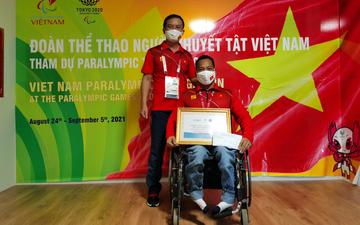 Lực sĩ Lê Văn Công nhận thưởng nóng sau HCB Paralympic 2020 và gửi lời cảm ơn đến ân nhân