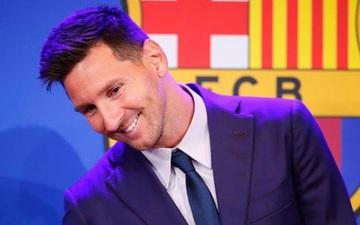 Khoảnh khắc Messi cười rạng rỡ trong ngày nói lời tạm biệt Barcelona